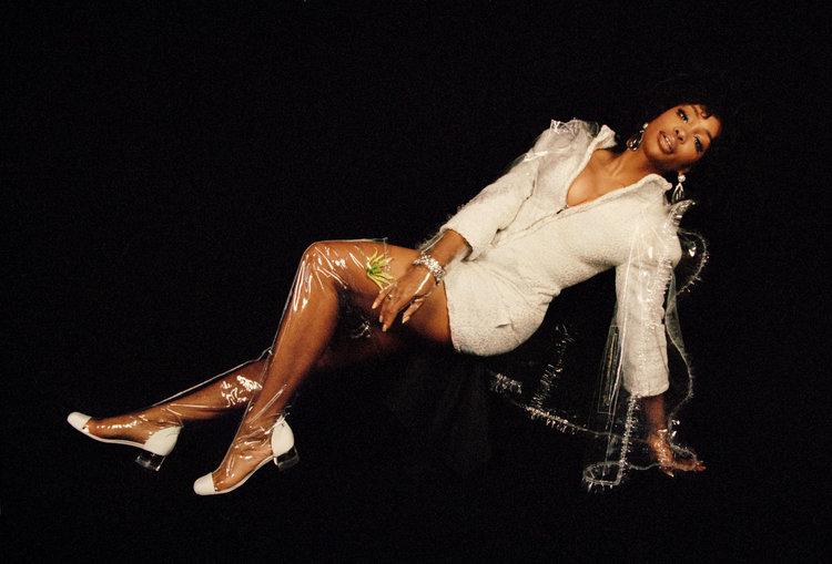 COLLAGE DIARY: SZA X FLAUNT - PHOTO CREDIT: FLAUNT MAGAZINE