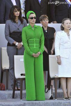 3d24f852f9034f76f7a5450a99740e6b--fashion-moda-jean-paul-gaultier.jpg