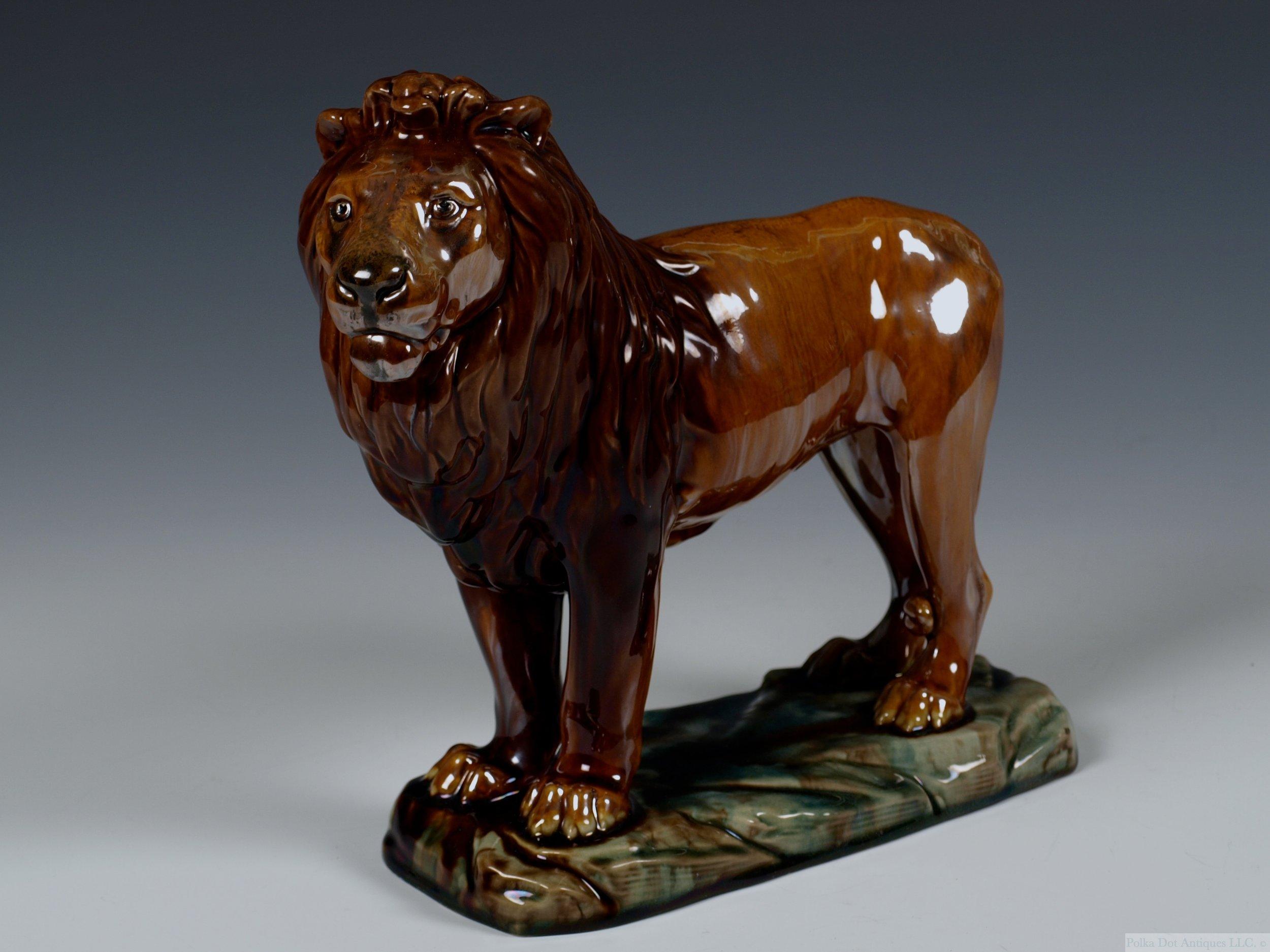 "Mintons Majolica Lion, 1890–1910, 8""."