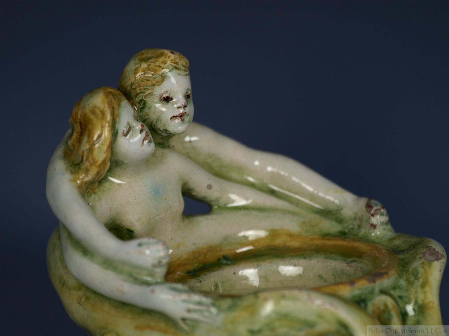 rw1263 Della Robbia figural Inkwell - 6.jpg