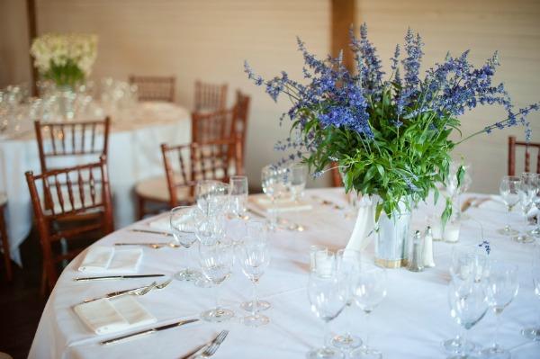 purple-white-wedding-centerpieces.jpg