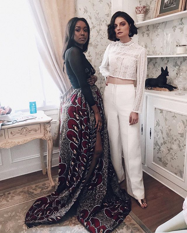 I am grateful 🙏🏾 to be able to work with such #badasswomen —  Absolute queens that not only bring these ✨ outfits to life BUT help tell a story of love, sisterhood, power [and guillotine lol] ! ⠀⠀⠀⠀⠀⠀⠀⠀⠀ @galie.athny and @philaerollet two modern ladies with a little dose of 18th century pazzaz, do you love it ? ✨🔥❤️💋 #MarieAntoinette #CourtMetrage
