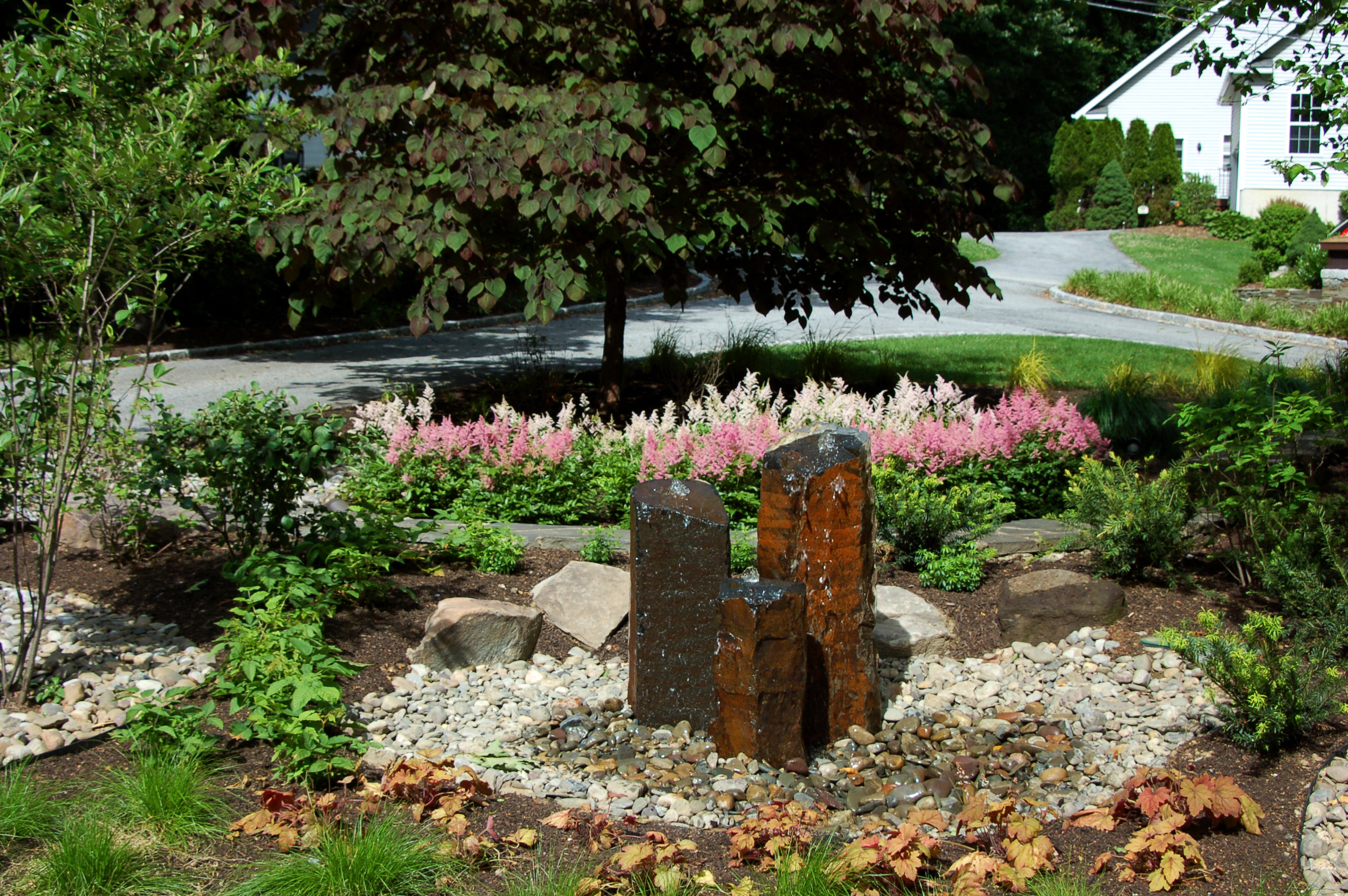 pondless water feature_bubbling boulder_pondworks_02.jpg