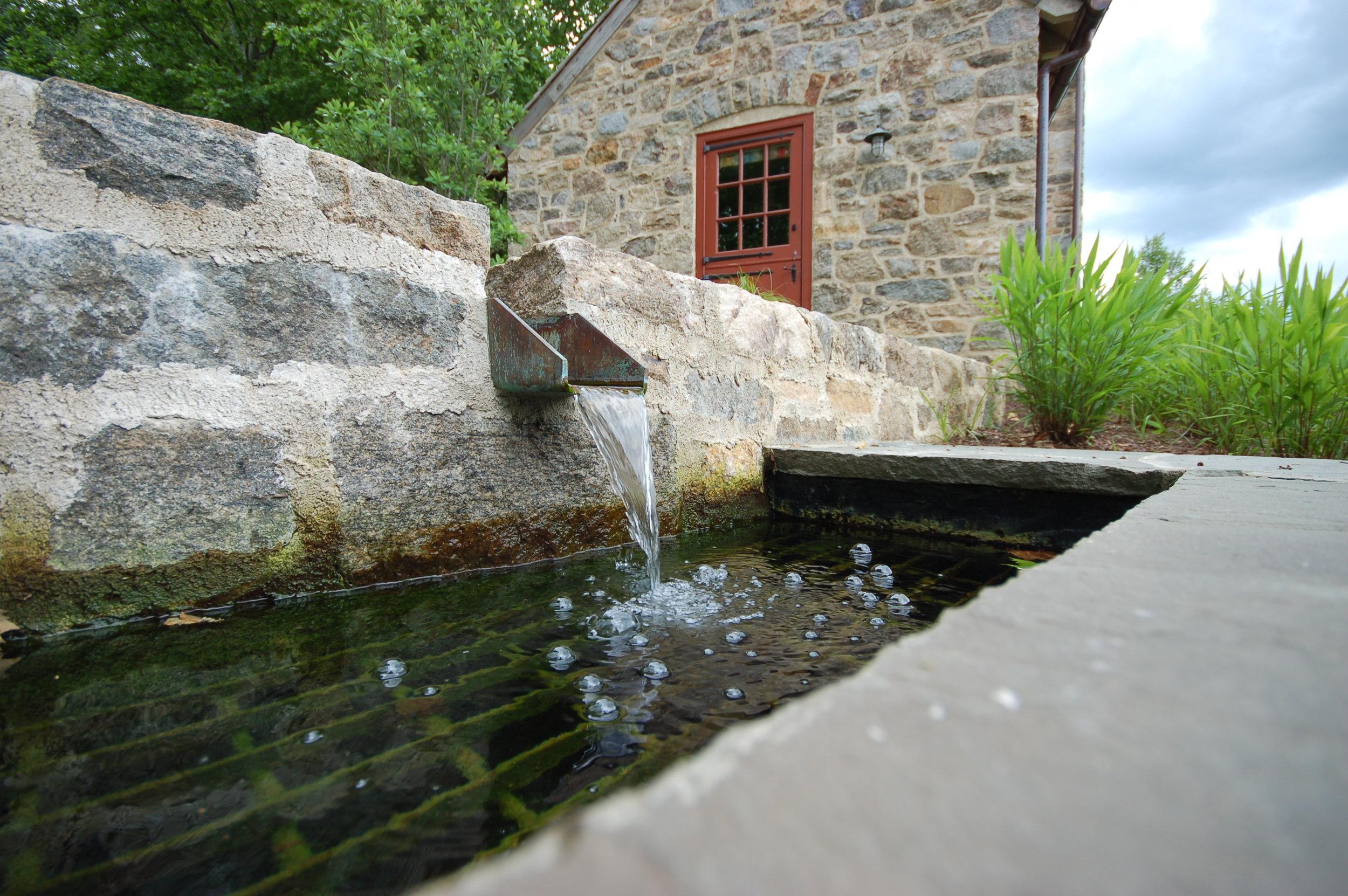 pondworks_custom water feature_01.JPG