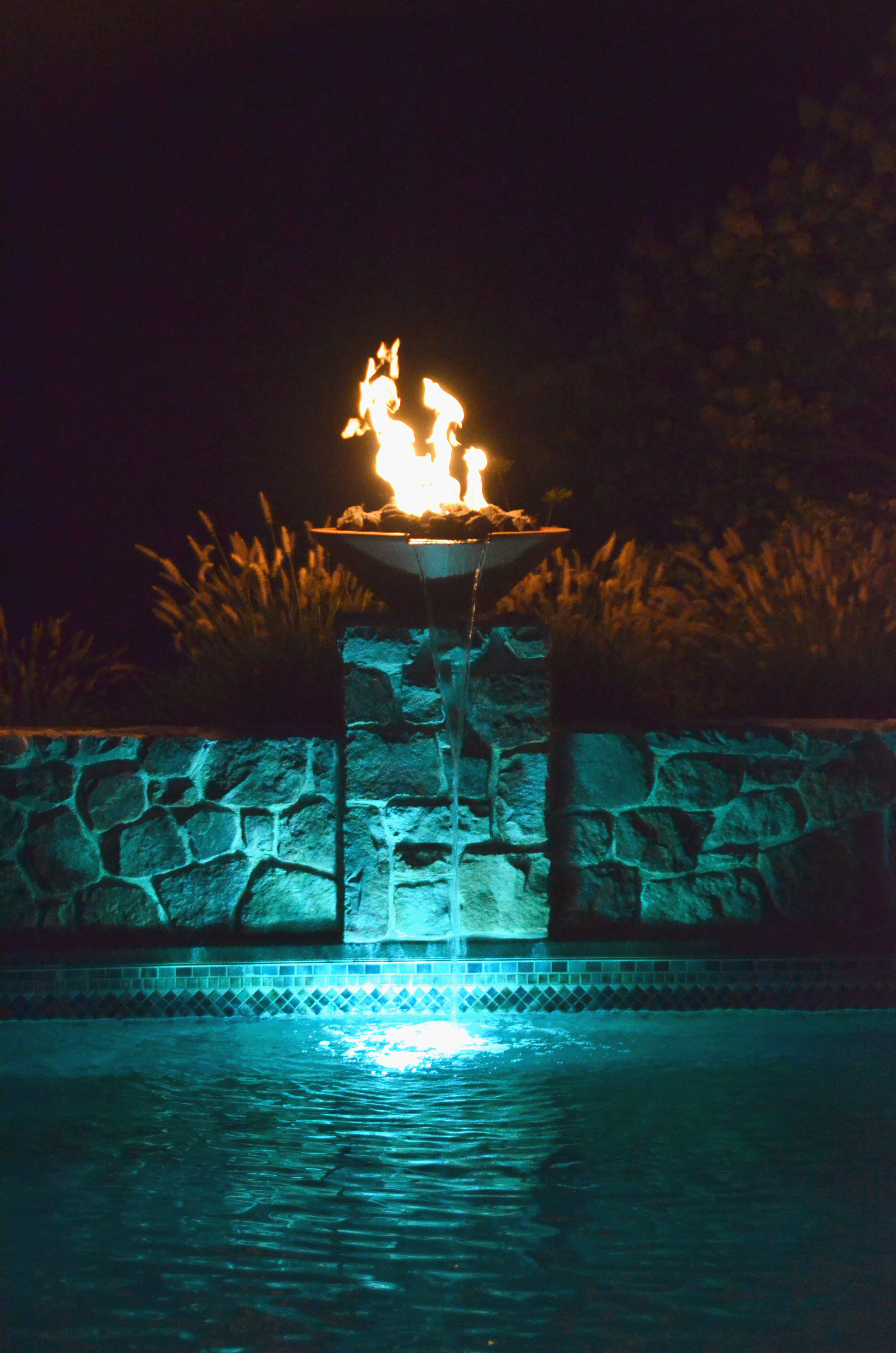 pondworks_fire and water_led_pool.jpg