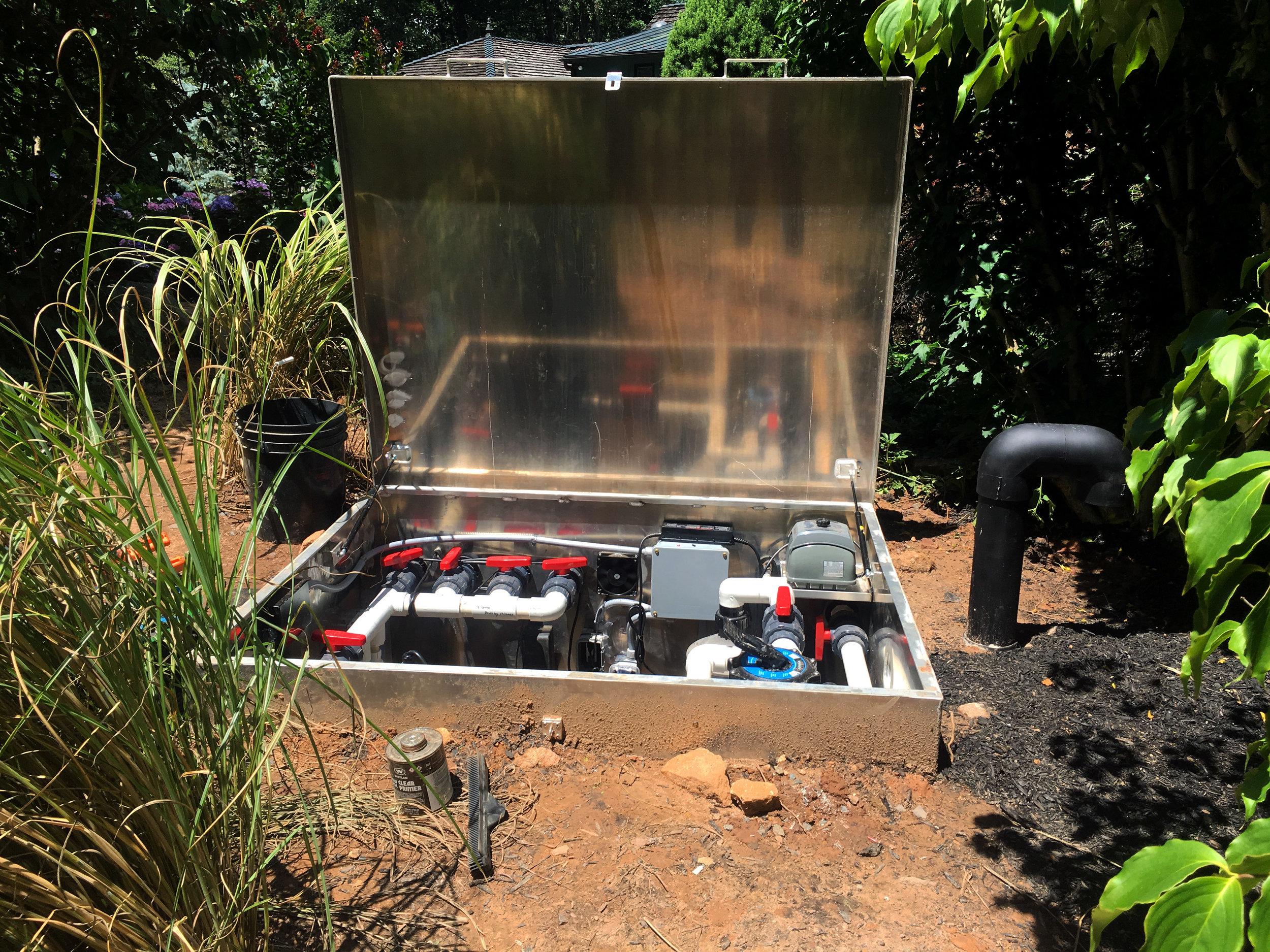 Maintenance_vault_pond plumbing_custom filtration_04.jpg