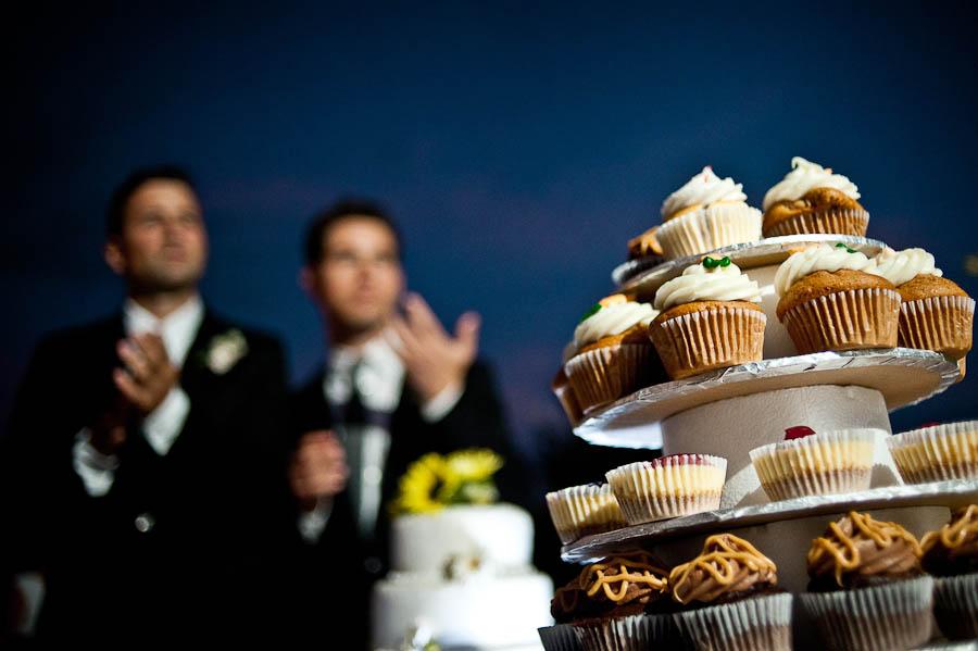 gay_wedding_photos_toronto_backyard-028.jpg