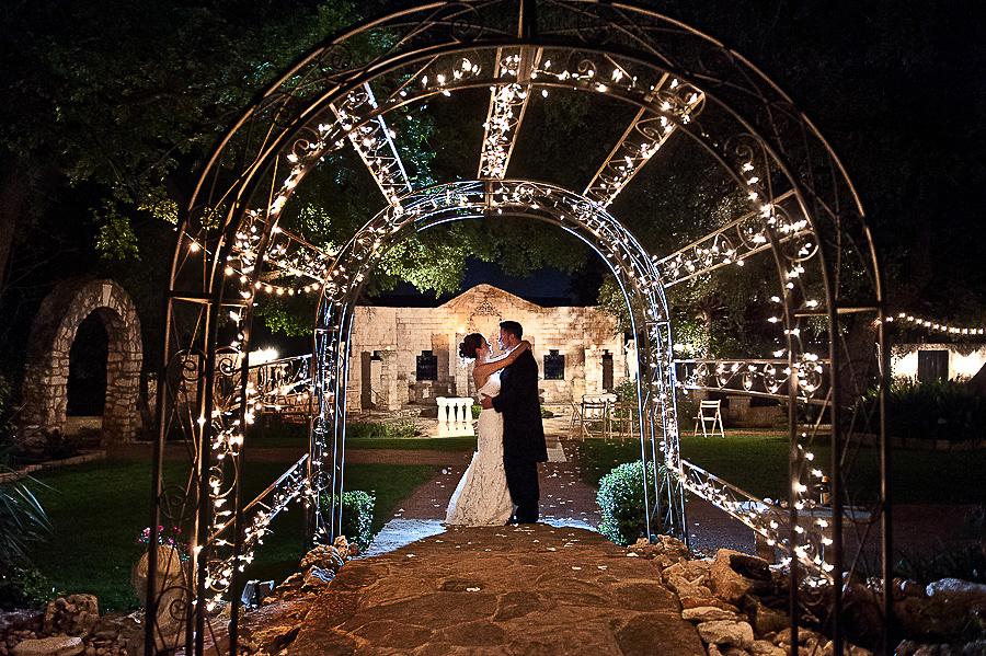 vistas-at-seward-hill-austin-wedding-photos-020.jpg