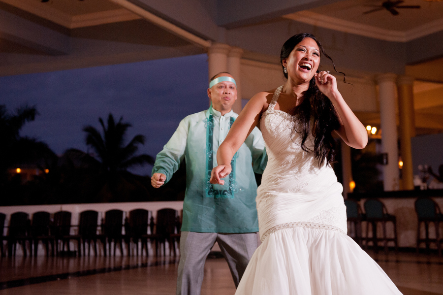 grand-palladium-jamaica-wedding-bonfire-photos-olivia-vale-102.jpg