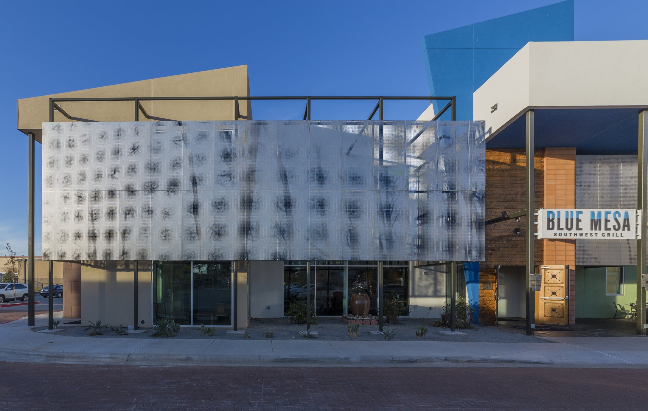 Blue Mesa Type:  Custom Facade for Commercial  Status:  Completed 2016  Client/Architect:  Blue Mesa Grill  Location:  Fort Worth, TX  Project Description forthcoming...  Mr. Manto worked as a Design Engineer on the project while working with A. Zahner Company.  Images Courtesy of Zahner.
