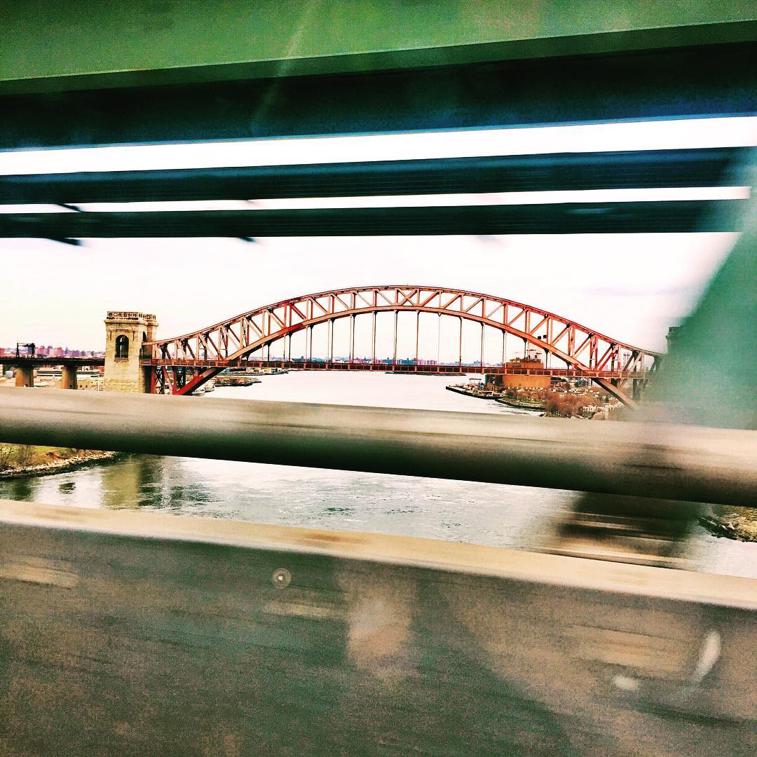 This weekend's road trip brought us over the Triborough aka RFK bridge with a lovely view of the Hell Gate Bridge ( @gothamist has some good coverage of the history of the Hell Gate which is supposedly haunted)              #hellgatebridge #astoriany #astoria #astoriaqueens #queenscapes #rfkbridge #triboroughbridge #queensnyc #queensny #queens #heartofqueens  (at Hellgate Bridge)