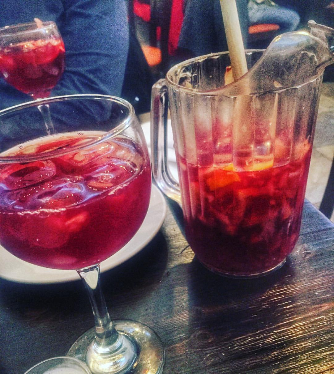 Yesterday's New Year's Day sangria from El Olivo in Astoria.            #Astoria #astoriany #queensnyc #queens #sangria #heartofqueens  (at El Olivo Restaurant)