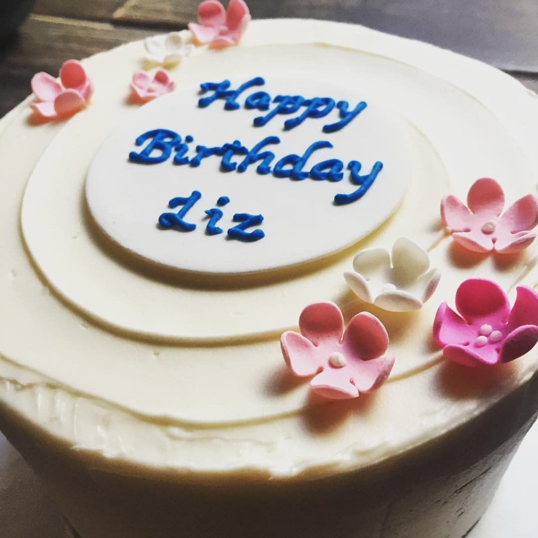 Happy Birthday & baby shower day to my sister @lizzygilly23 . Beautiful and yummy red velvet cake with cream cheese buttercream frosting by Silk Cakes in Forest Hills.