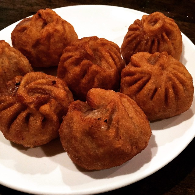 """@joedistefanoqns you were spot on when you referred to the fried momo at Phayul as a """"golden brown delight of the highest order."""" #beefmomo #jacksonheights #queens #queensistasty #heartofqueens #sogood  (at Phayul Restaurant)"""