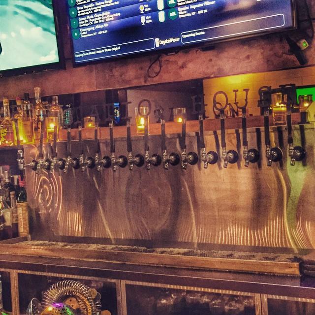 Some post-brunch beers @fhstationhouse #ForestHills