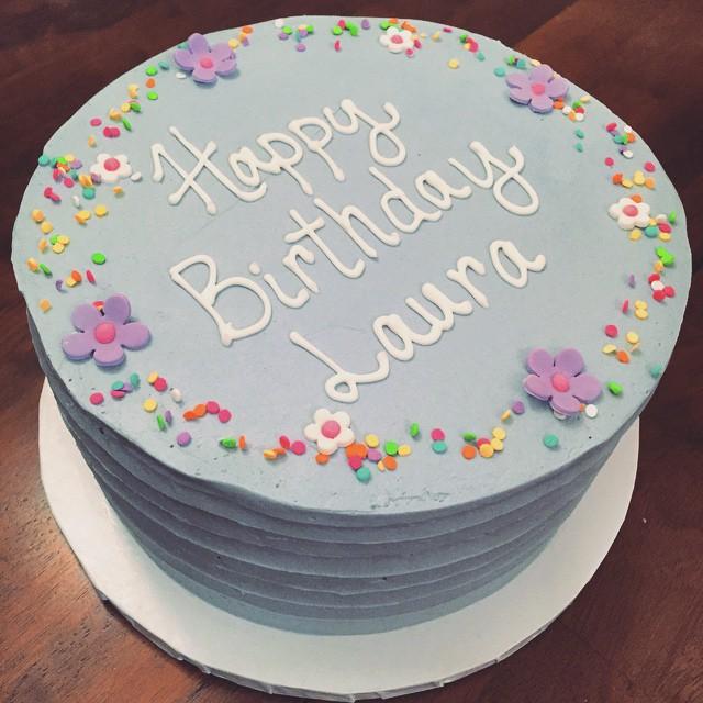 This @teaspoonbakeshop cookies and cream cake for my @lauumariee 's birthday was sooooo good #bayside #queens (at Teaspoon Bake Shop)