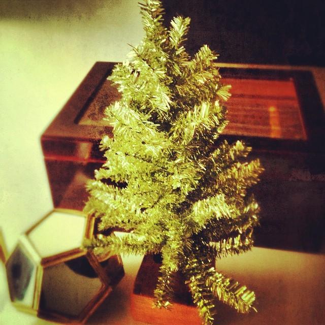 My cute little Christmas tree via @lockwoodshop