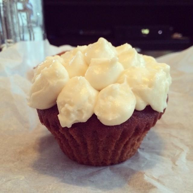 Delicious red velvet cupcake from @cuisinebyclaudette via @eyuneman #rockaway (at Cuisine by Claudette)