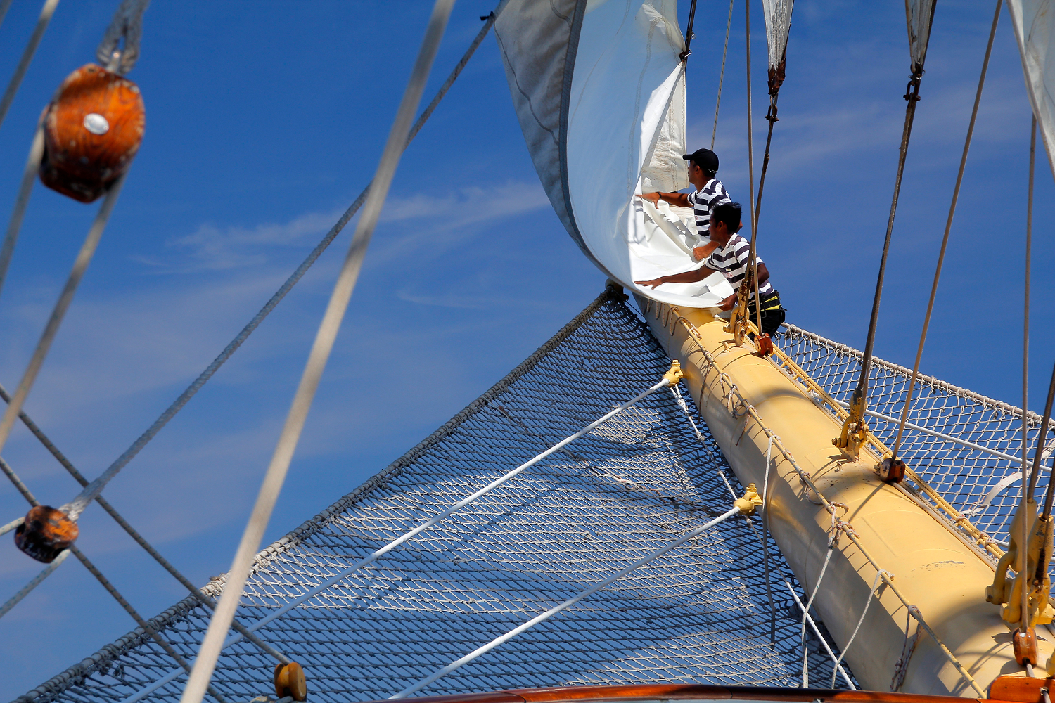 Clippers Crew Bow Sails_MG_5721.jpg