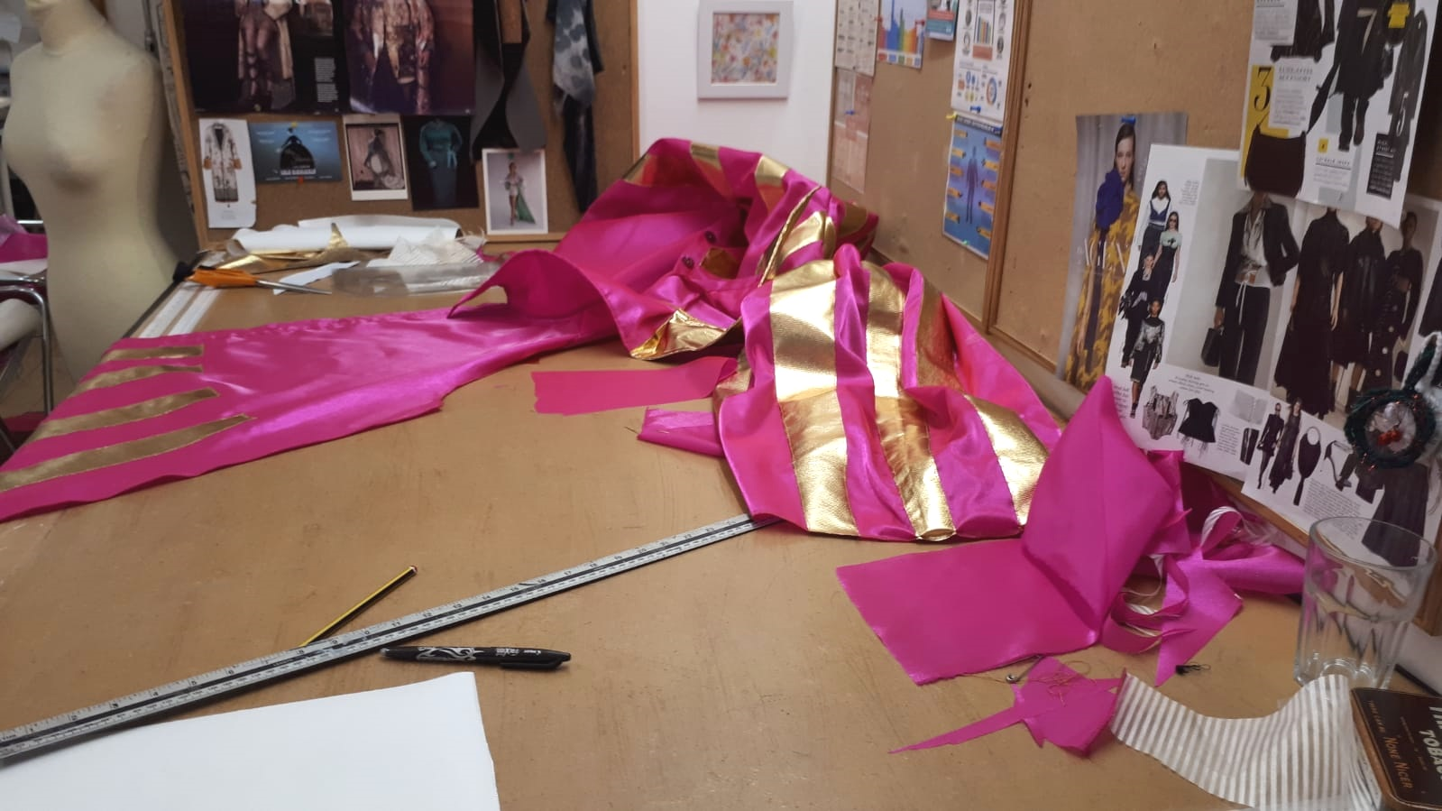 Sewing the showpiece blouse