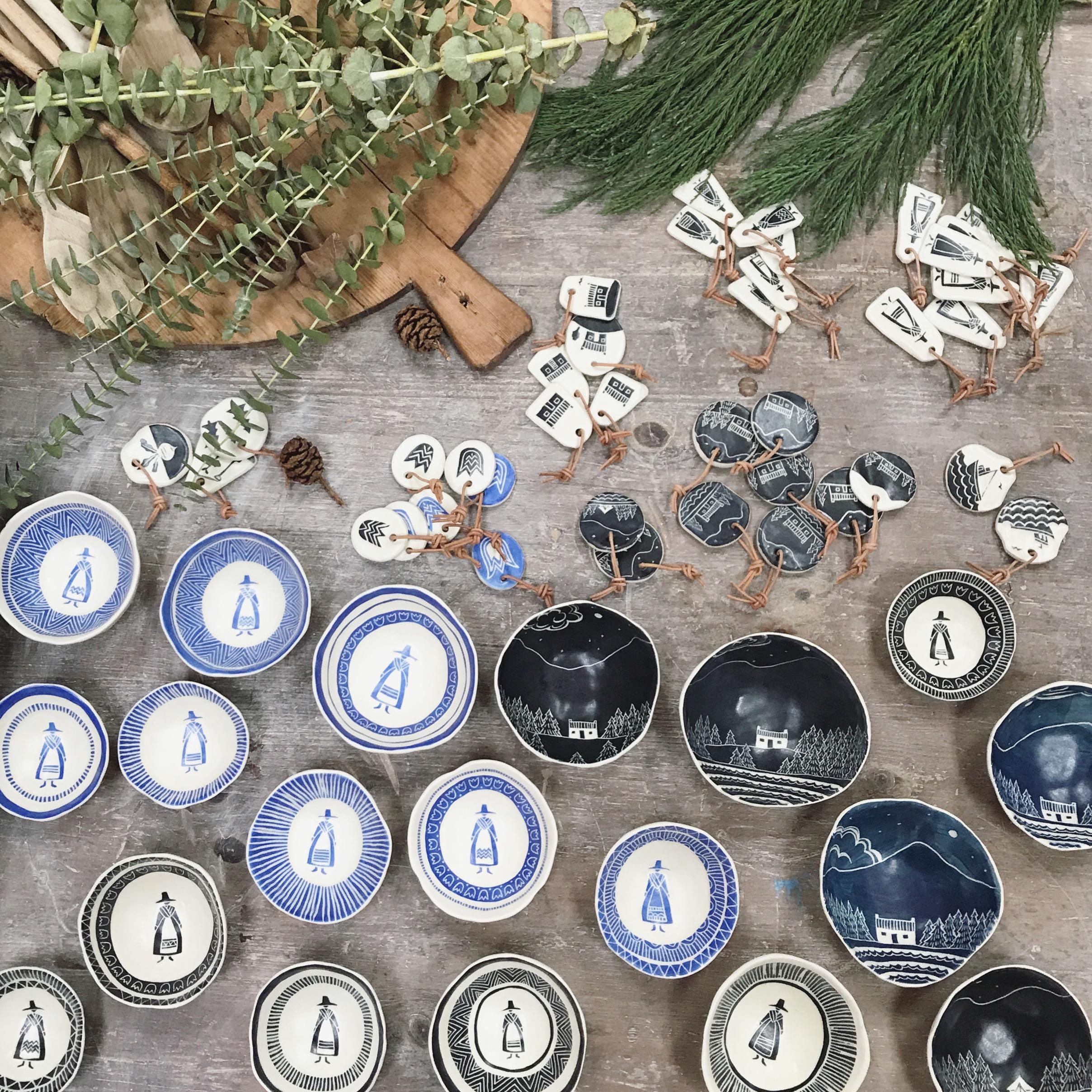Kate-russell-scratch-ceramics-1