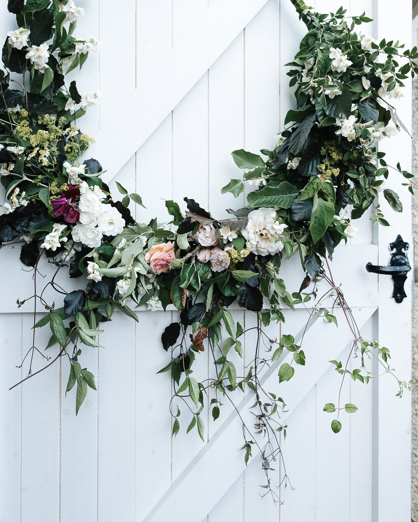 DIY floral hoop decoration