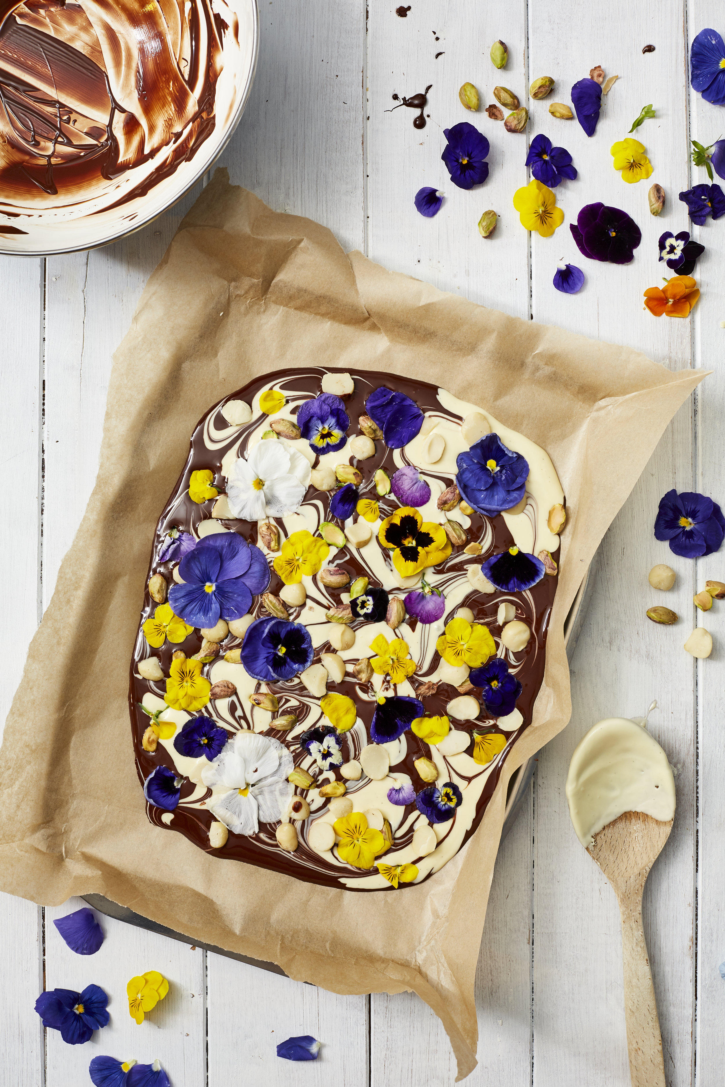 ideas for using edible flowers as featured in 91 Magazine SS18 issue