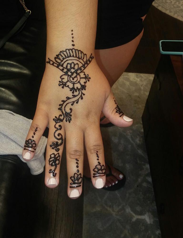 salon_thread_henna_tattoo_img001.jpg