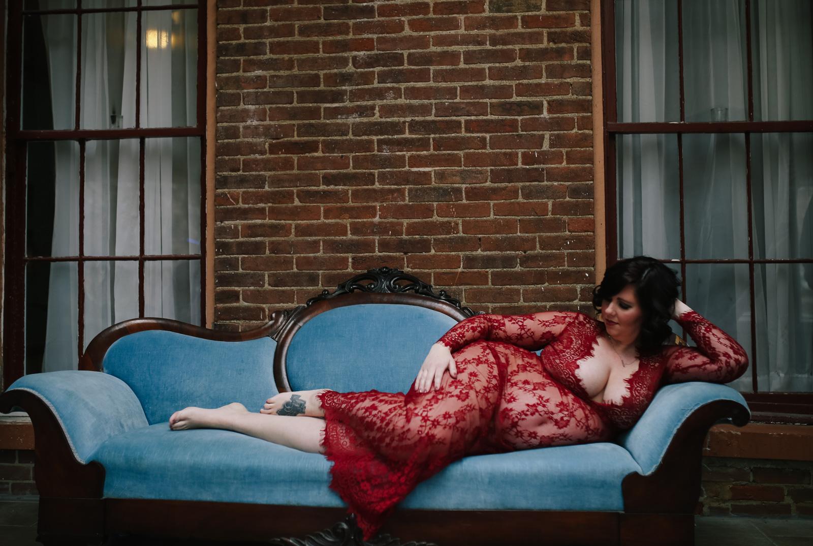 maternity boudoir  (1 of 20).jpg