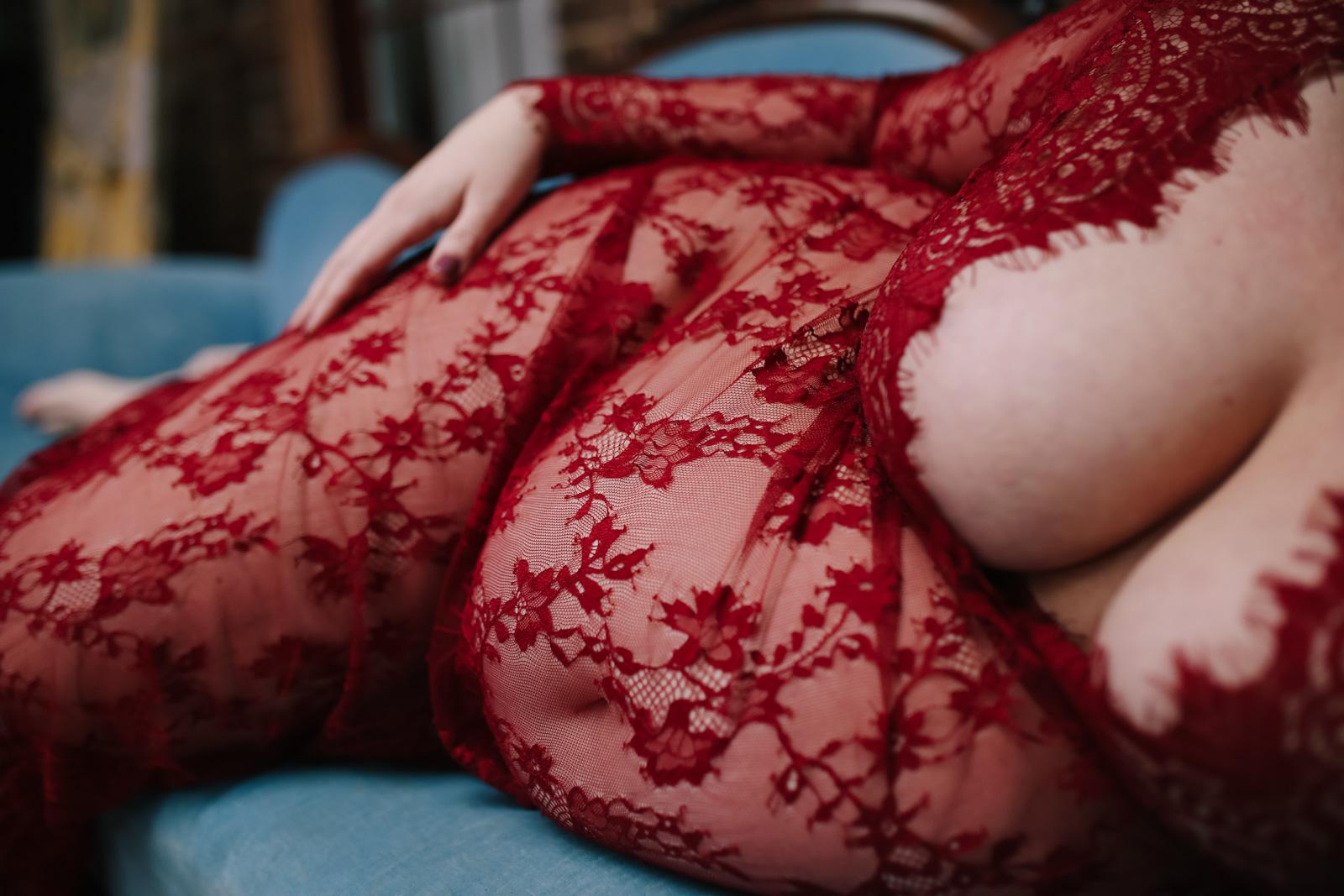 maternity boudoir  (3 of 20).jpg