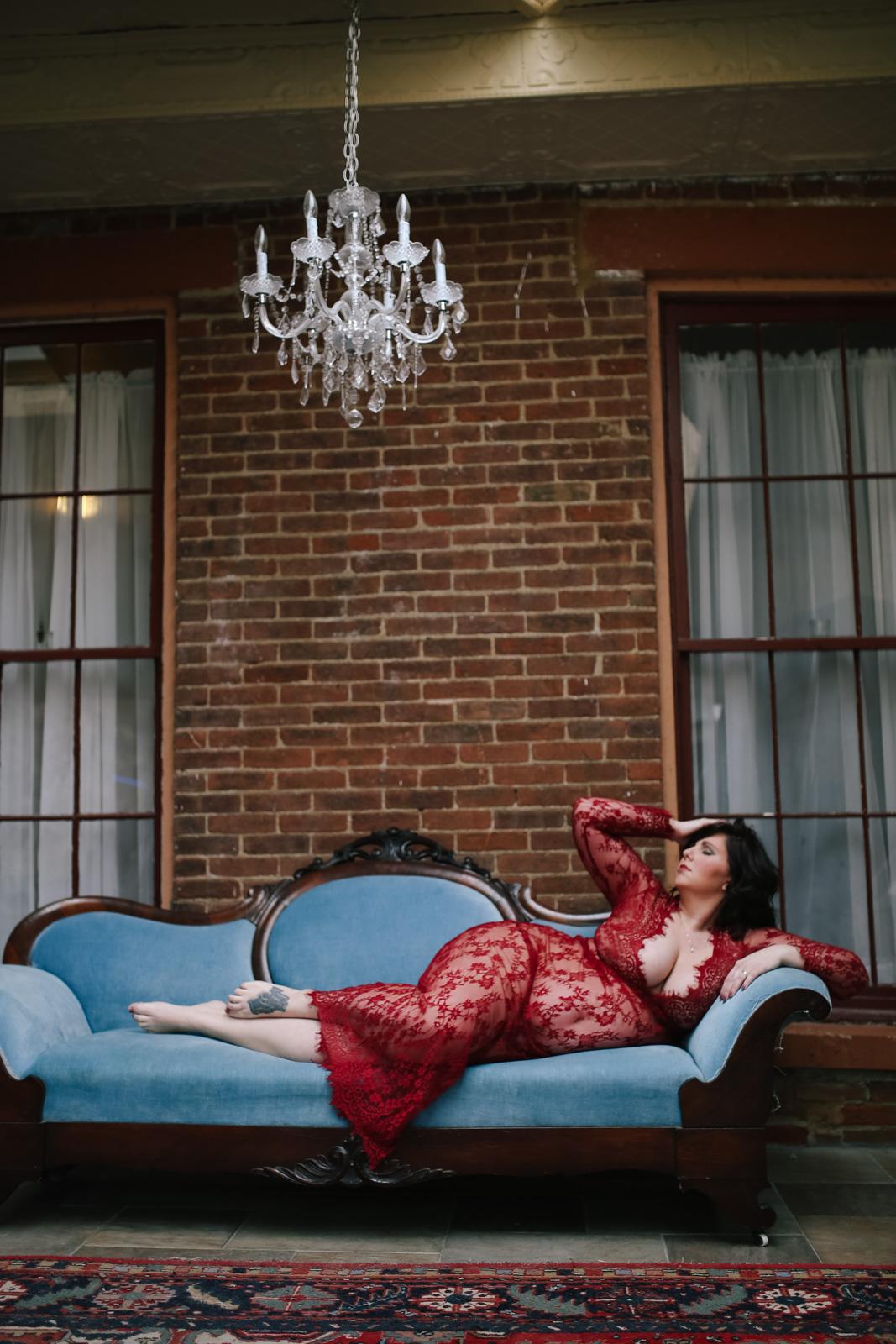 maternity boudoir  (5 of 20).jpg