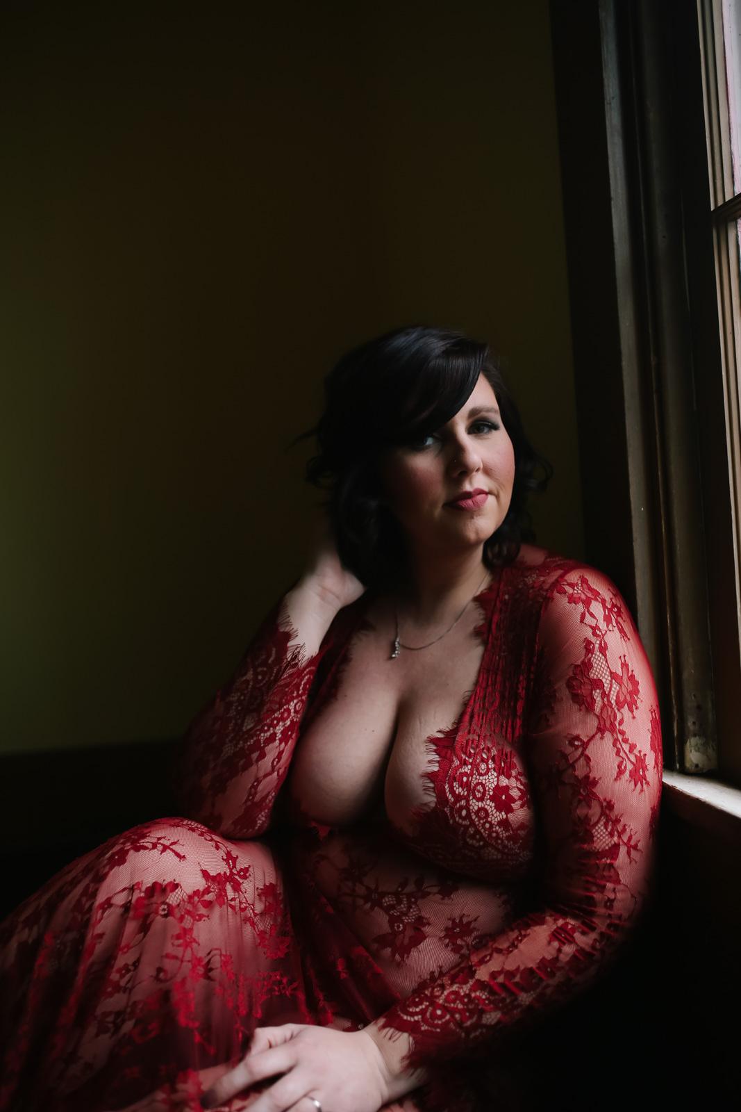 maternity boudoir  (9 of 20).jpg