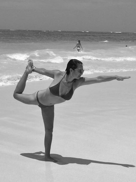yoga-retreat-tulum-bikram