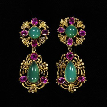 France, c. 1825   Earrings, gold, jade, chrysoprases and rubies.   V&A Museum
