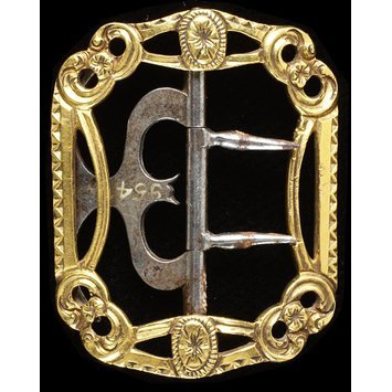 London, c. 1780   Knee buckle, gold   V&A Museum