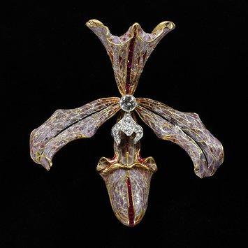 Belgium, c. 1905-1907 Hair ornament, gold, plique-a-jour enamel, diamonds and rubies V&A Museum