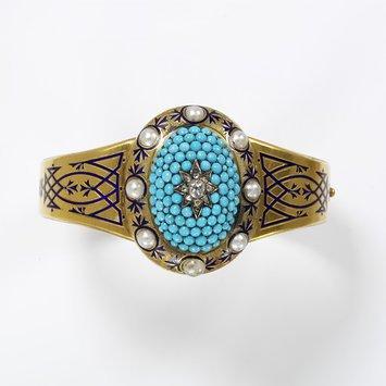 England, c. 1862 Bracelet, gold, enamel, rose- and brilliant-cut diamonds, pavé-set turquoises, half-pearls V&A Museum
