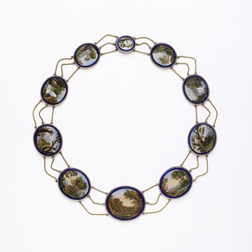Rome, c. 1810 Necklace, micromosaics, cut blue glass and moulded gold V&A Museum