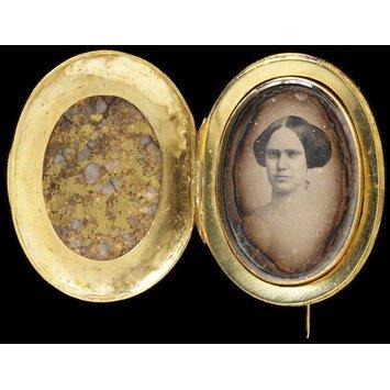 USA, c, 1850   Brooch, gold, rock   V&A Museum