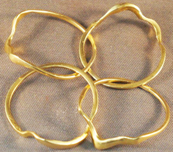 Classic Gold Puzzle Ring Open