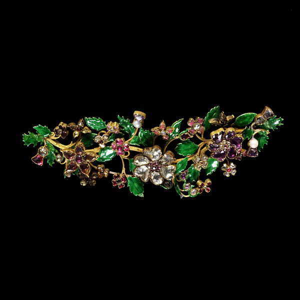 Hair Ornament/Brooch   Enameled Gold, Garnets, Foiled Rock Crystals, Pearls   1840-1850   The Victoria & Albert Museum