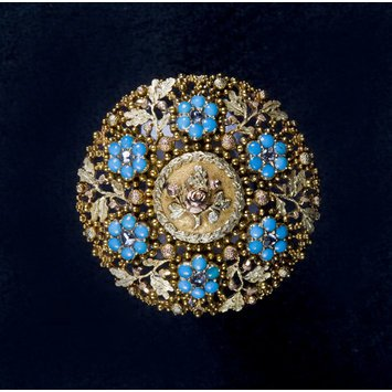Paris, c. 1820-1840   Brooch with gold, diamonds and turquoises.   Forget-me-not, rose and acorn motif. The acorn symbolized strength and longevity.   V&A Museum