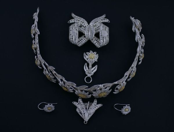 A Victorian bridal parure, previously sold by Elder and Bloom.