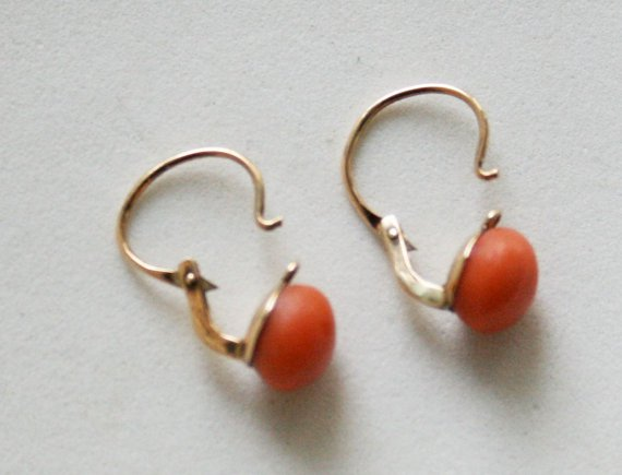 Coral and gold earrings with front fastening