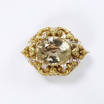 Citrine and gold cannetille brooch, c.1820-1830.  V&A Museum. Previously belonging to Jane Morris, wife of William Morris.