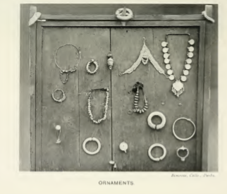 Sunar ornaments.