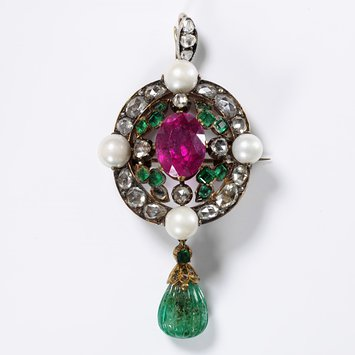 1860s Brooch with Pink Tourmaline. V & A Museum M.21-1979.