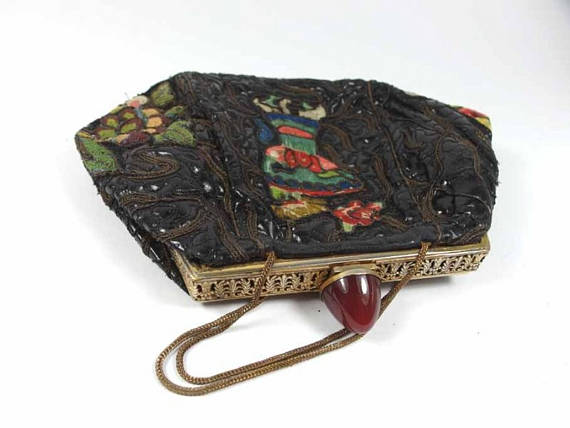 Art Deco silk theatre purse with Chinese motifs. Elder and Bloom.