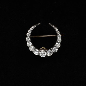 The   simple crescent moon was a popular motif in the late Victorian era  England, c. 1890 Gold set with diamonds V&A Museum