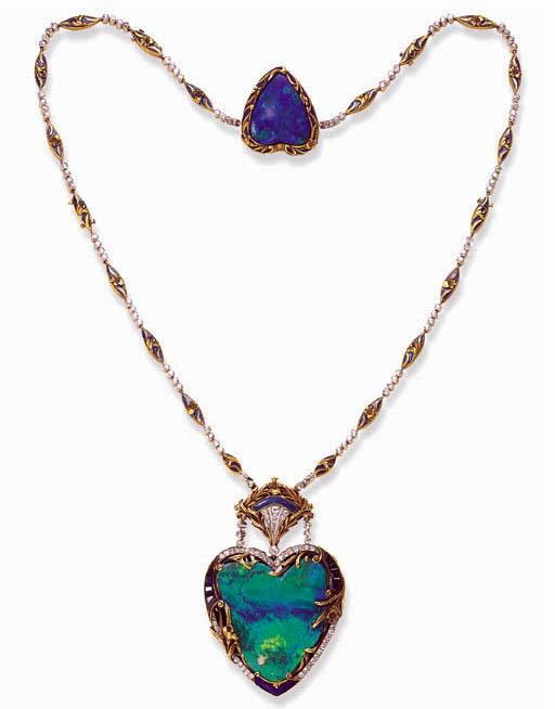 Opal necklace circa 1900  Source Pinterest  (Christies auction)